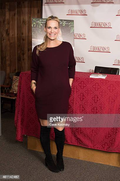 """Molly Sims Signs Copies Of Her Book """"The Everyday Supermodel"""" at Bookends Bookstore on January 7, 2015 in Ridgewood, New Jersey."""