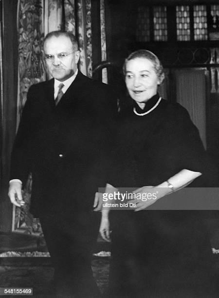 Molotow Wjatscheslaw M *09031890 Politiker UdSSR 193041 Vorsitzender des Rates der Volkskommissare 193949 und 195356 Aussenminister als...
