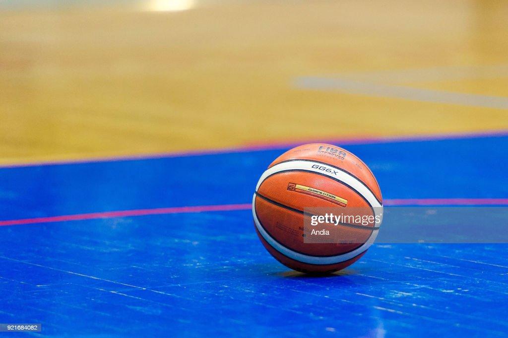 Molten basketball, FIBA official ball.