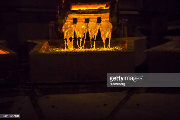 Molten copper pours into ceramic molds to form plates at the Southern Copper Corp smelter facility in Ilo Peru on Monday Jan 30 2017 Peru posted its...