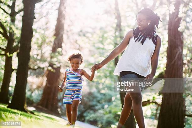 Mère et sa fille ensemble
