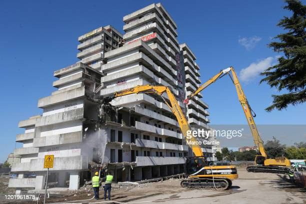 A moment of the demolition of the building known as Vela Verde in the Scampia district of Naples The building is the first of other similar buildings...