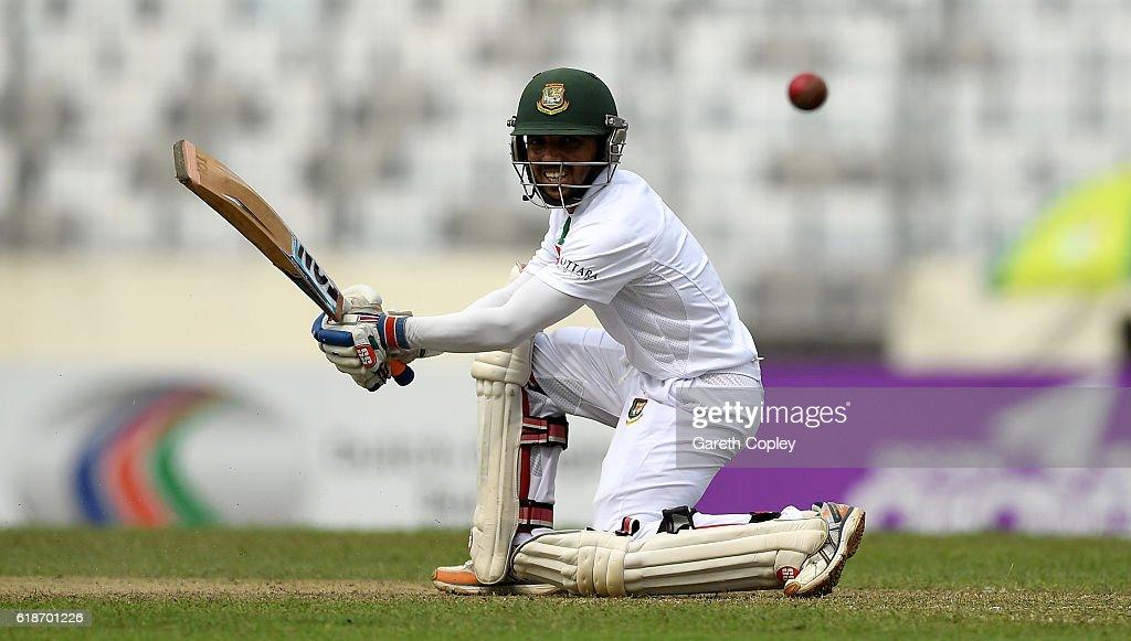 Bangladesh v England - Second Test: Day One : News Photo