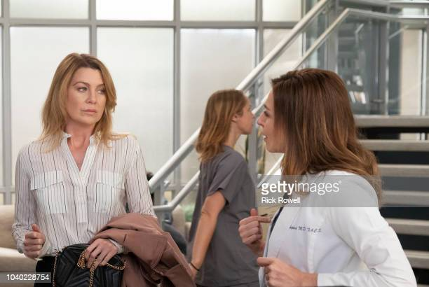 S ANATOMY Momma Knows Best Meredith turns heads when she shows up to work done up and ready for her blind date later that day while Alex makes a...