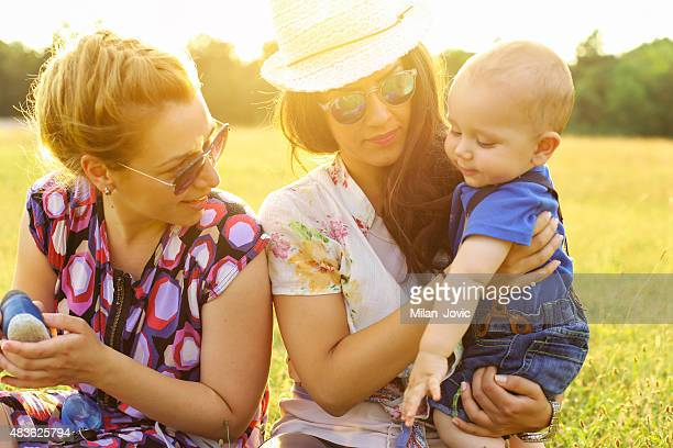 mommies and me - aunt stock pictures, royalty-free photos & images