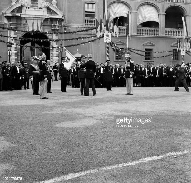 Monaco 11 avril 1950 Les cérémonies du couronnement de SAS RAINIER III prince de Monaco au palais princier