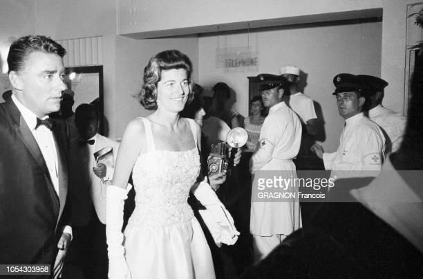 Monaco août 1961 soirée de gala au profit de la Croix Rouge sous la présidence de la princesse Grace au Monte Carlo Sporting Club Ici l'arrivée de...