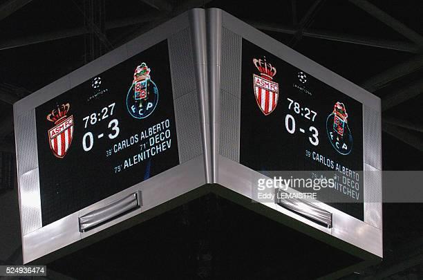 AS Monaco vs FC Porto Score final sur l'ecran geant du stade