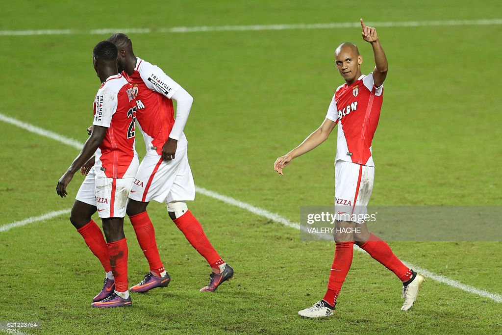 Monaco's Brazilian defender Fabinho (R) celebrates after scoring a goal during the French L1 football match Monaco (ASM) vs Nancy (ASNL) on November 5, 2016 at the 'Louis II Stadium' in Monaco. / AFP / VALERY