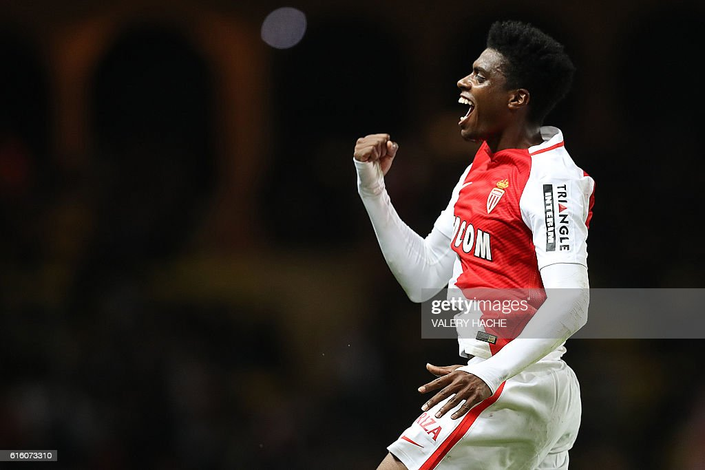 TOPSHOT - Monaco's Brazilian defender Jemerson celebrates after scoring a goal during the French L1 football match between AS Monaco and Montpellier at the Louis II Stadium in Monaco on October 21, 2016. / AFP / VALERY