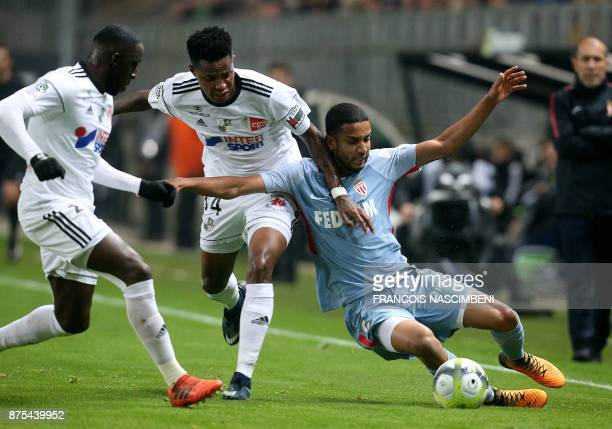 Monaco's Brazilian defender Jorge vies with Amiens' South African midfielder Bongani Zungu during the French L1 Football match Amiens vs Monaco on...