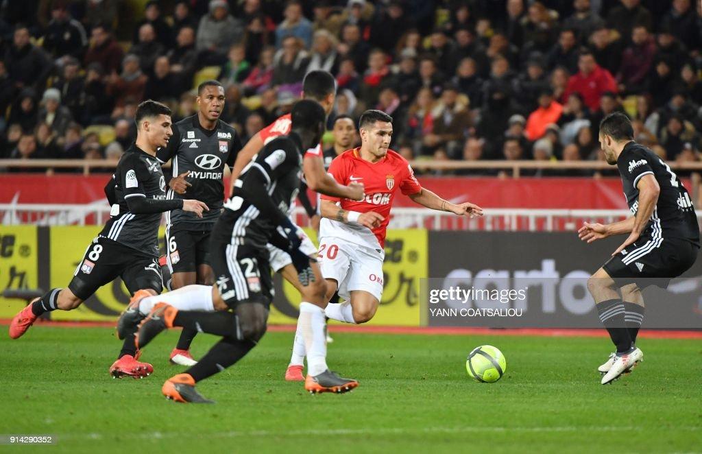 Monaco's Brazilian midfielder Rony Lopes runs with the ball during the French L1 football match Monaco (ASM) vs Lyon (OL) on February 4, 2018 at Louis II stadium in Monaco. /