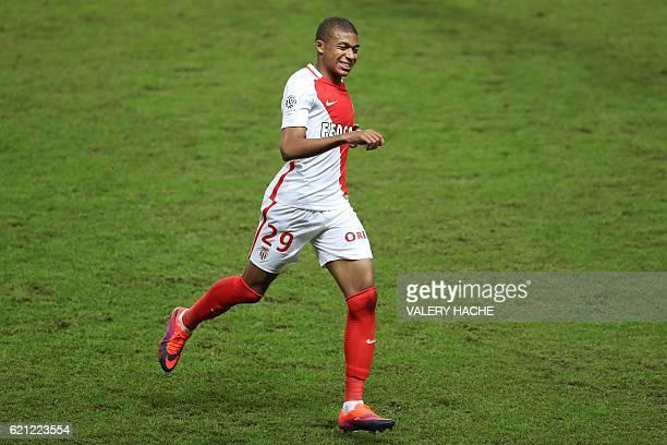 Monaco's French forward Kylian Mbappe Lottin runs during the French L1 football match Monaco vs Nancy on November 5 2016 at the 'Louis II Stadium' in...