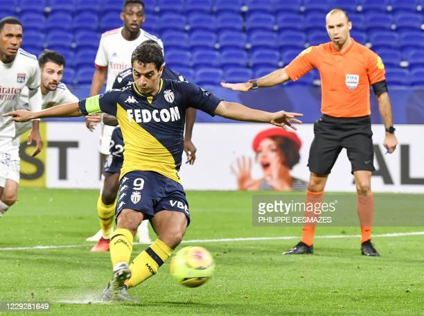 Monaco's French forward Wissam Ben Yedder shoots and scores a goal from the penaltykick during the French L1 football match between Olympique...