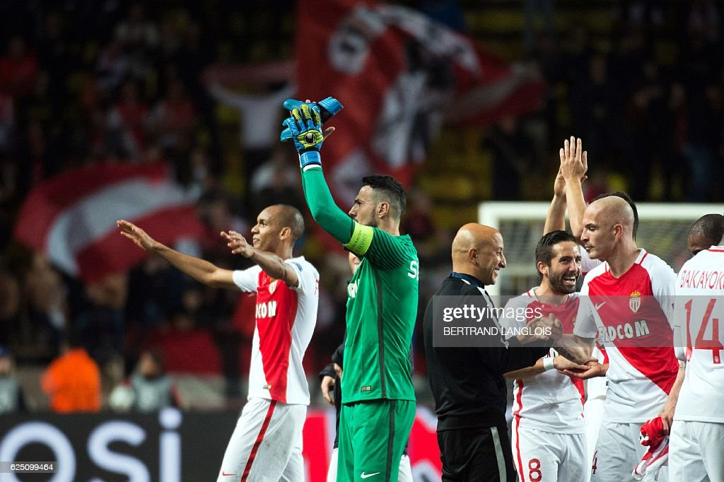 Monaco's players celebrate after winning the UEFA Champions League group E football match AS Monaco and Tottenham Hotspur FC at the Louis II stadium in Monaco on November 22, 2016. / AFP / BERTRAND