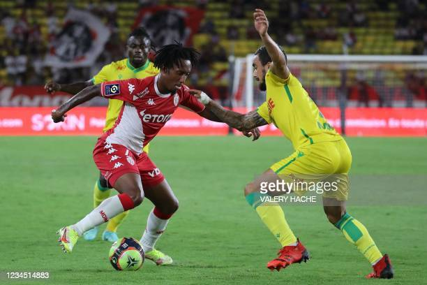 Monaco's Portugese midfielder Gelson Martins fights for the ball with Nantes' Brazilian defender Fabio Da Silva Pereira during the French L1 football...