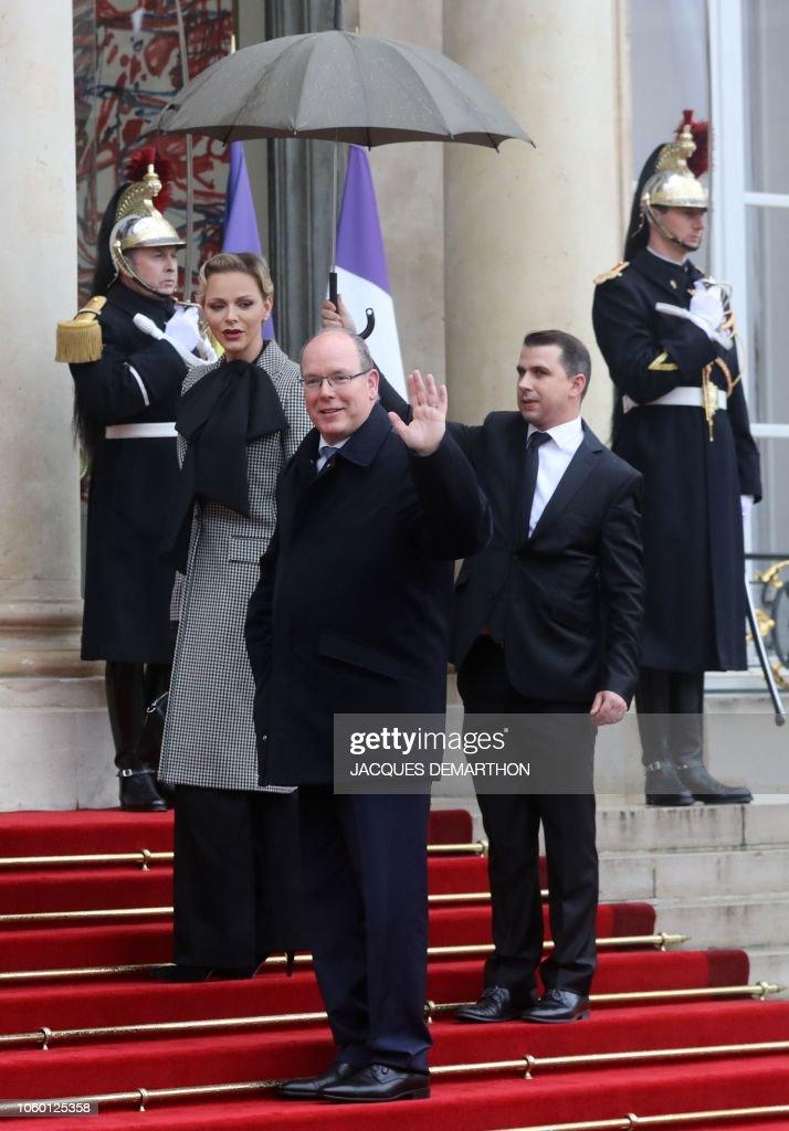 CASA PRINCIPESCA DE MÓNACO - Página 76 Monacos-prince-albert-ii-and-his-wife-princess-charlene-arrive-at-the-picture-id1060125358