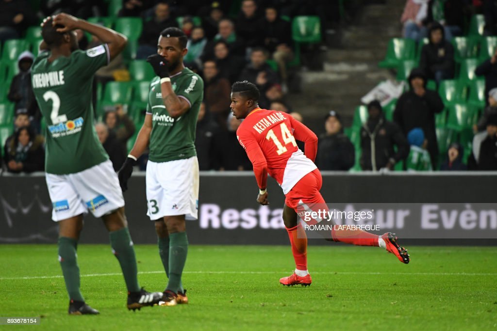 Monacos Senegalese forward Keita Balde (C) celebrates after scoring a goal during the French L1 football match between Saint-Etienne (ASSE) and Monaco (ASM) on December 15, 2017, at the Geoffroy Guichard stadium in Saint-Etienne, central-eastern France. /