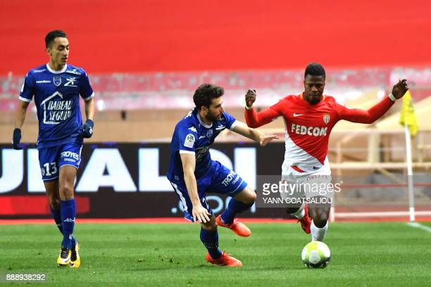 Monaco's Spanish forward Keita Balde vies with Troyes' French defender Mathieu Deplagne during the French L1 football match AS Monaco vs Troyes AC at...