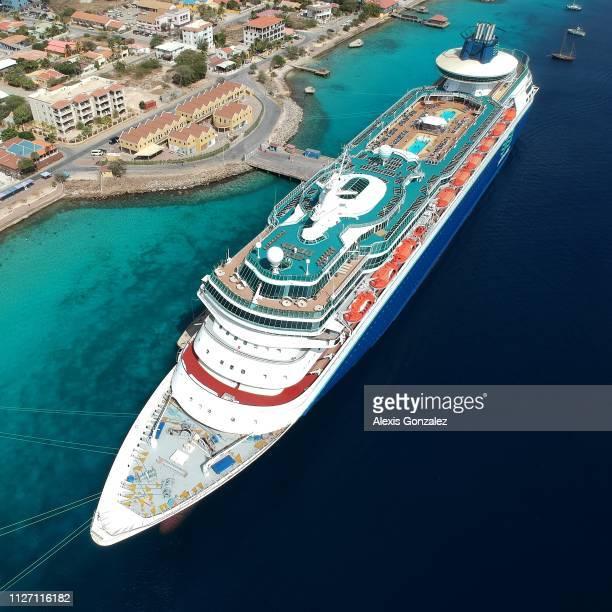 crucero 君主 en ボネール島 - カリブ海オランダ領 ストックフォトと画像