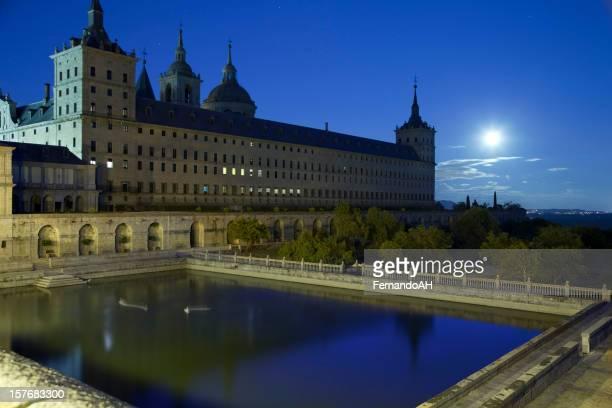 Monasterio de El Escorial por la noche