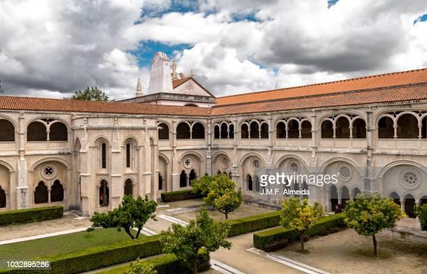 monastery of alcobaça cloister - estremadura stock-fotos und bilder