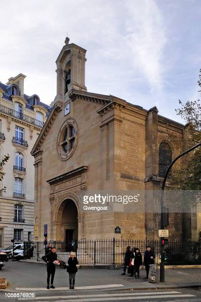 monastery of our lady of the presence of god in paris - gwengoat stock pictures, royalty-free photos & images