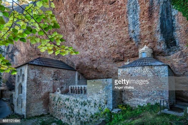 monastery of san juan de la peña - san juan fotografías e imágenes de stock