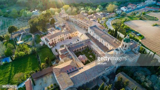mosteiro de santes creus tarragona catalunha, espanha - cisterciense - fotografias e filmes do acervo