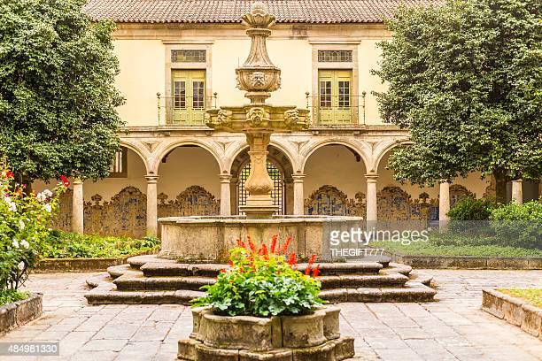 Tibães修道院の中庭のポルトガル