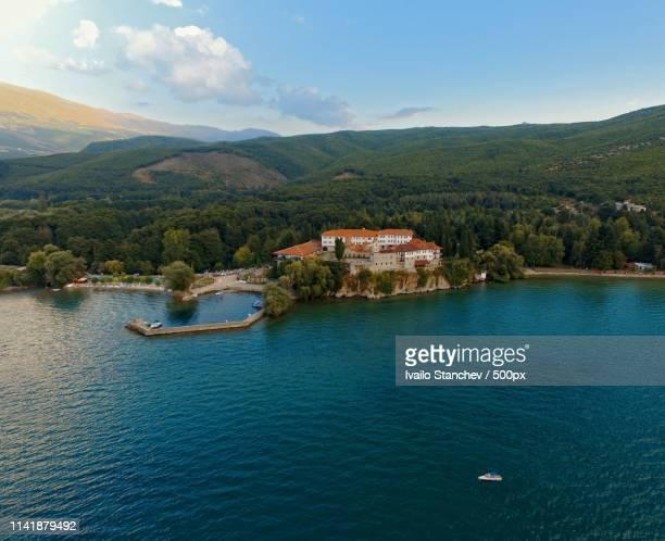 monastery st naum macedonia - klooster stockfoto's en -beelden