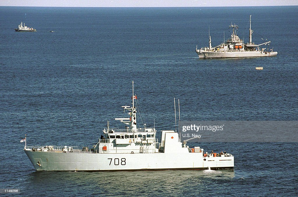 Moncton and the US Navy fleet support ship USS Grapple