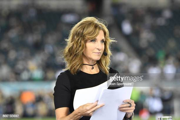 Monday Night football announcer Suzy Kolber looks on during a NFL football game between the Washington Redskins and the Philadelphia Eagles on...