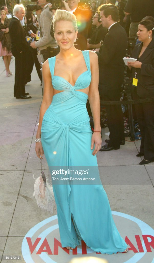2004 Vanity Fair Oscar Party - Arrivals