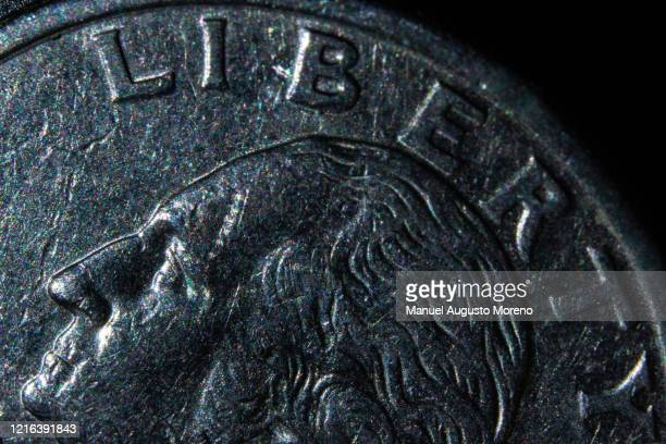money: us 25 dollar cents coin (quarter) obverse - us coin stock pictures, royalty-free photos & images