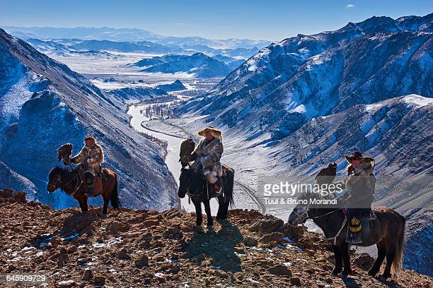 mongolia, bayan-olgii, eagle hunter - kazakhstan stock pictures, royalty-free photos & images
