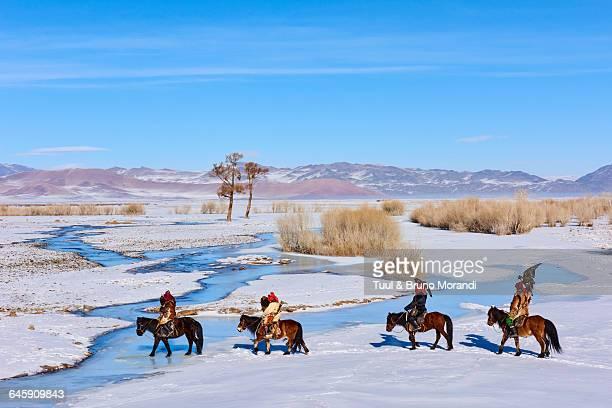 mongolia, bayan-olgii, eagle hunter - kazakhstan stock pictures, royalty-free photos & images