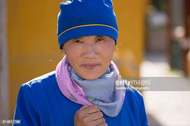 mongolia: gandan monastery (gandantegchinlen) in ulan bator - mongolian women stock photos and pictures