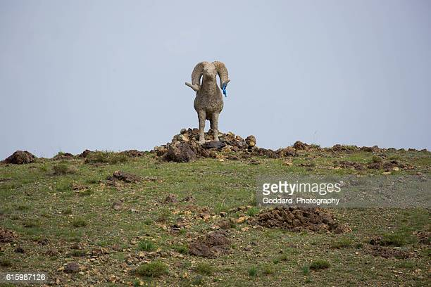 mongolia: hilltop statue at khanbogd ger camp - omnogov stock pictures, royalty-free photos & images