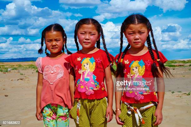 mongolia, omnogov province, twin sister - omnogov stock pictures, royalty-free photos & images