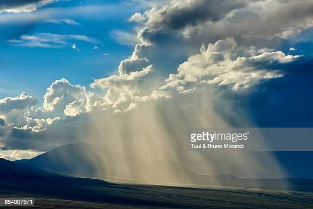mongolia, storm in the steppe - semiarid stock-fotos und bilder