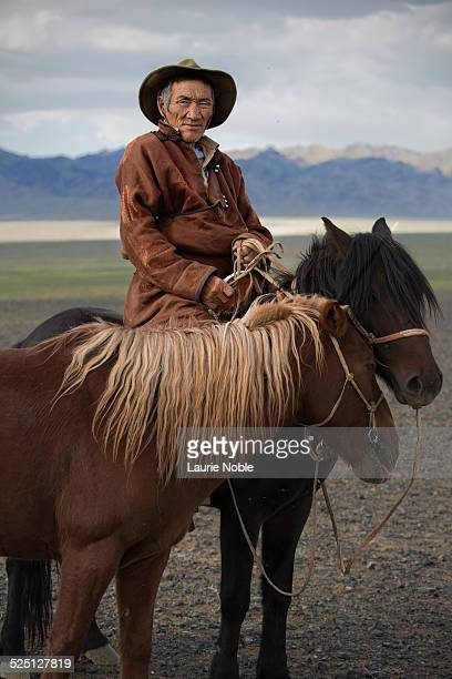 mongolia: the gobi - omnogov stock pictures, royalty-free photos & images