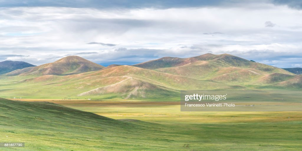Mongolian nomadic gers in the steppe. North Hangay province, Mongolia. : ストックフォト