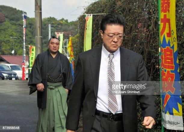 Mongolian Yokozuna Harumafuji and his stabelmaster Isegahama are seen after unable to meet Takanoiwa and his stablemaster Takanohana on November 14...