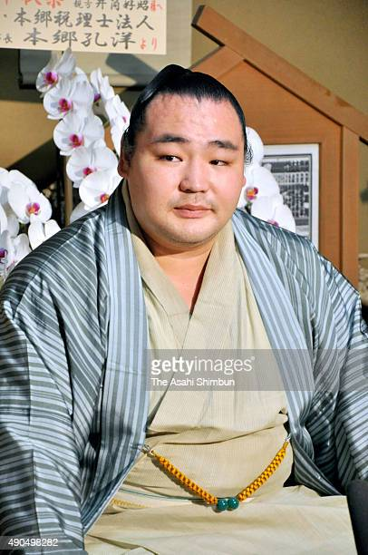 Mongolian yokozuna Kakuryu attends a press conference a day after winning the Grand Sumo Autumn Tournament at Izutsu Stable on September 28 2015 in...