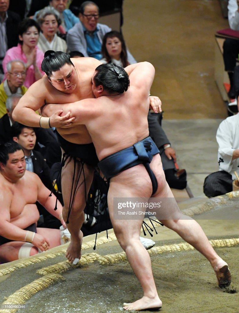 JPN: Grand Sumo May Tournament - Day 9