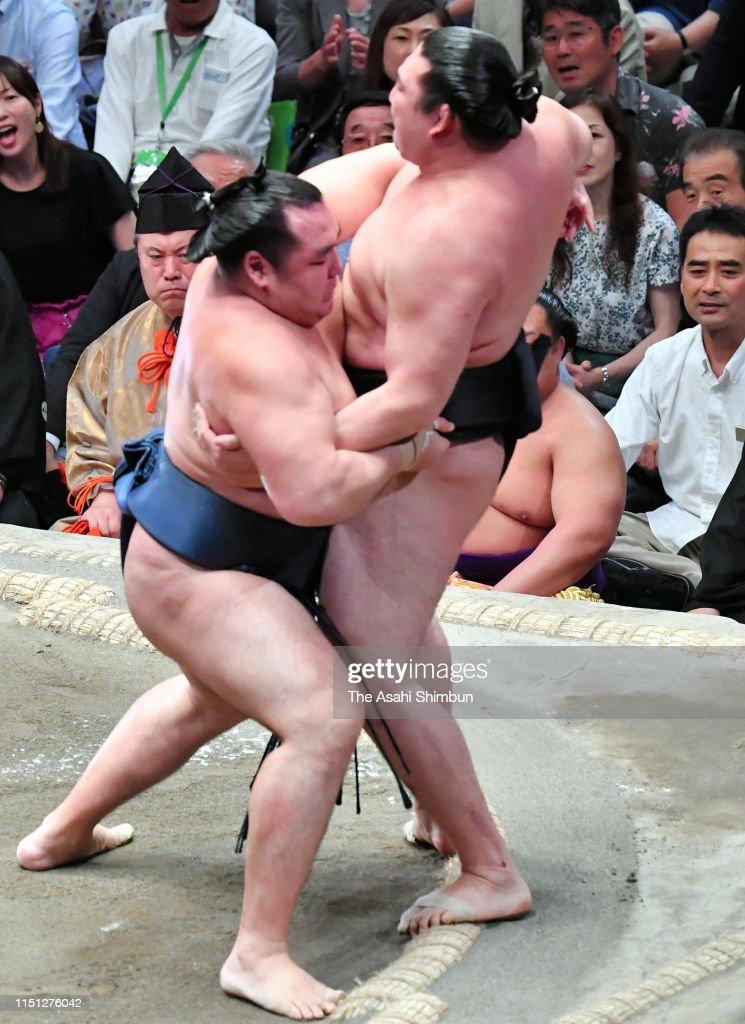 JPN: Grand Sumo May Tournament - Day 12