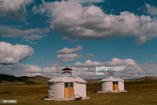 mongolian yurt - yurt stock pictures, royalty-free photos & images