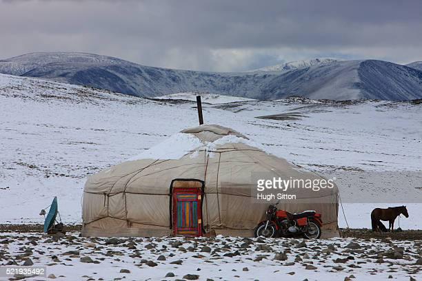 mongolian yurt - hugh sitton - fotografias e filmes do acervo