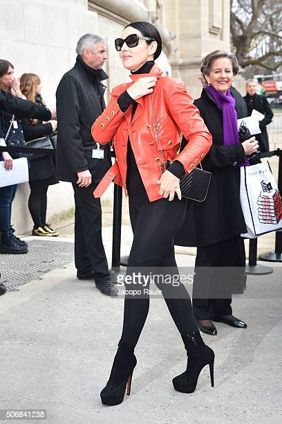 Monica Bellucci arrives at the Chanel fashion show Paris Fashion Week Haute Coture Spring /Summer 2016 on January 26 2016 in Paris France